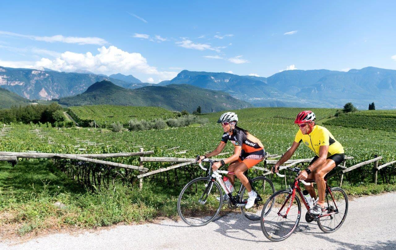 Kaltern Am See: Rennradparadies In Südtirol Mit Blick Auf Die Dolomiten