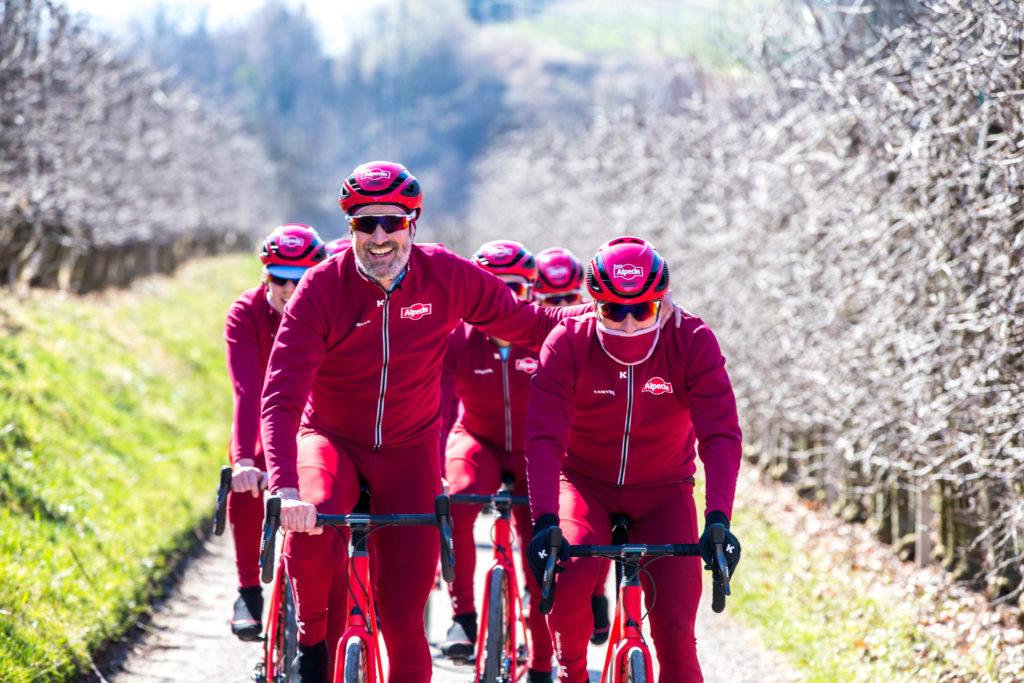 Training auf dem Rennrad im Winter