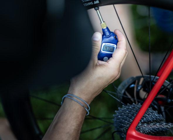 Tuning-Tipp: Der richtige Luftdruck im Rennradreifen