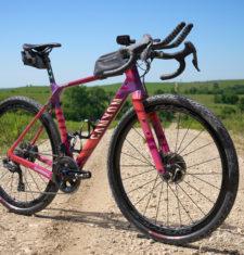 Gravel-Bike: Das Canyon Grizl CF SLX von Peter Stetina beim Unbound Gravel